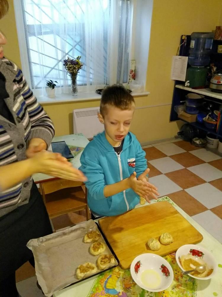 лепим и печем булочки
